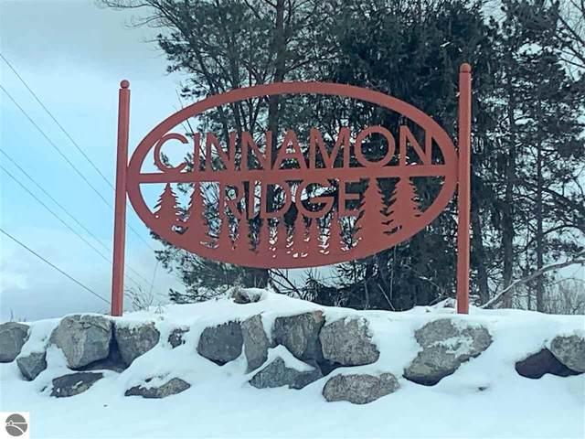 233 Cinnamon Lane, Traverse City, MI 49686 (MLS #1883421) :: Team Dakoske | RE/MAX Bayshore