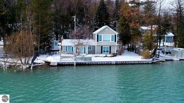 13050 Bluff Road, Traverse City, MI 49686 (MLS #1883456) :: Michigan LifeStyle Homes Group