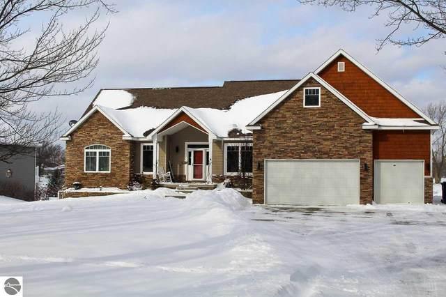 1026 Clubhouse Drive, Lake Isabella, MI 48893 (MLS #1883981) :: Boerma Realty, LLC