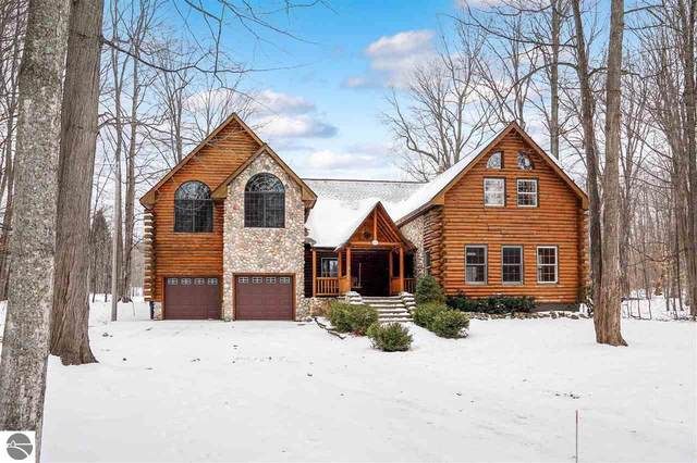 817 S Lake Leelanau Drive, Lake Leelanau, MI 49653 (MLS #1884069) :: Michigan LifeStyle Homes Group