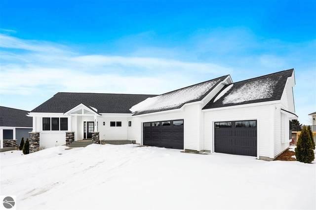 2714 W Crown Drive, Traverse City, MI 49685 (MLS #1884098) :: Boerma Realty, LLC
