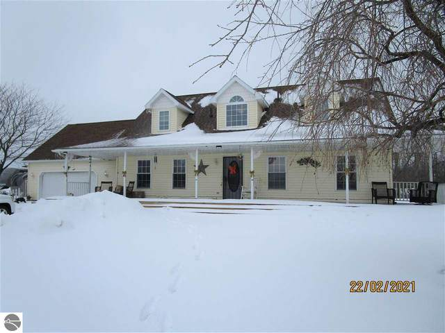 341 E Pleasant Valley Road, Shepherd, MI 48883 (MLS #1884396) :: Boerma Realty, LLC