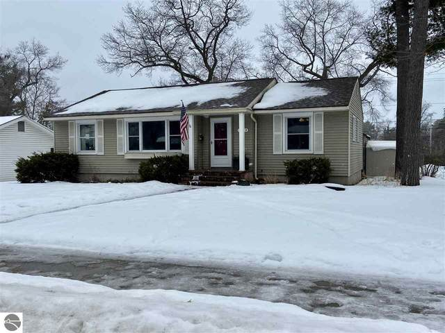 1033 E State Street, Traverse City, MI 49686 (MLS #1884425) :: Team Dakoske | RE/MAX Bayshore