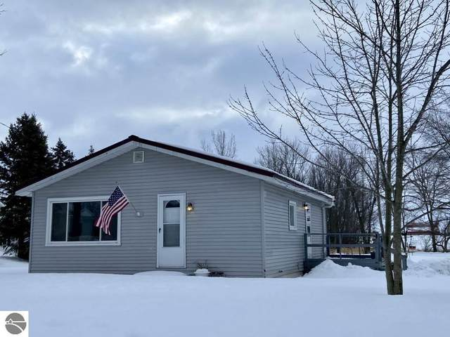 625 Slater Road, Alma, MI 48801 (MLS #1884437) :: Boerma Realty, LLC
