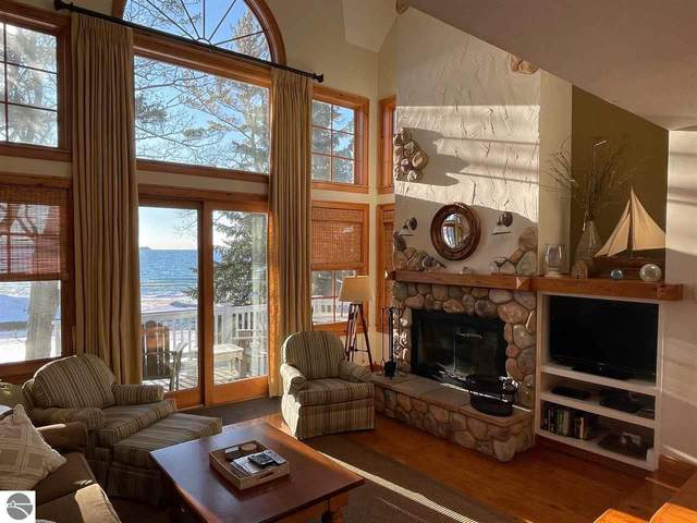 5C Beals House, Glen Arbor, MI 49636 (MLS #1884480) :: Michigan LifeStyle Homes Group