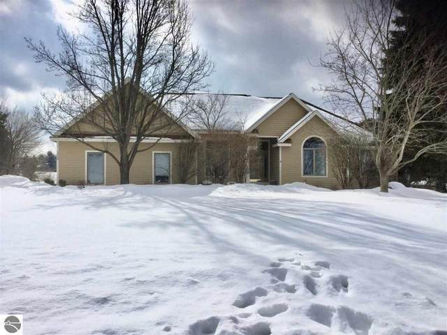 4580 S Bay Valley Drive, Suttons Bay, MI 49682 (MLS #1884486) :: Brick & Corbett