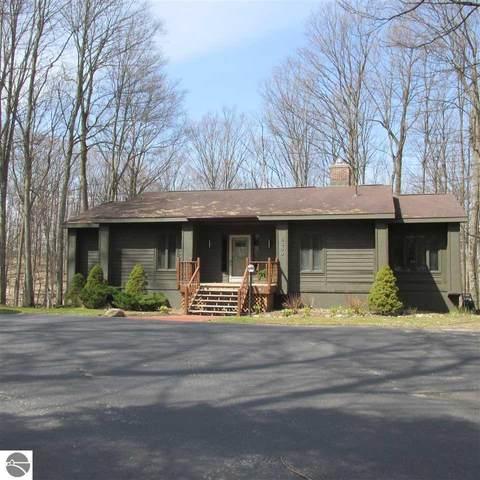 5350 Golfview Road, Bellaire, MI 49615 (MLS #1884511) :: Boerma Realty, LLC