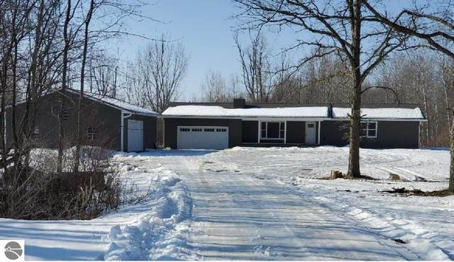 4647 W Saginaw Road, Coleman, MI 48618 (MLS #1884611) :: Boerma Realty, LLC