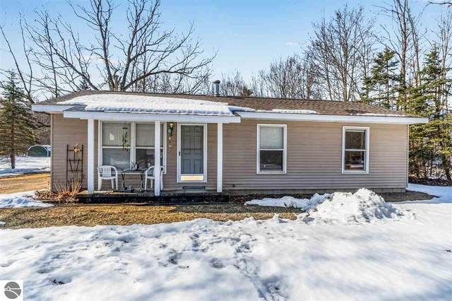 2740 S Loomis Road, Mt Pleasant, MI 48858 (MLS #1884632) :: Team Dakoske | RE/MAX Bayshore