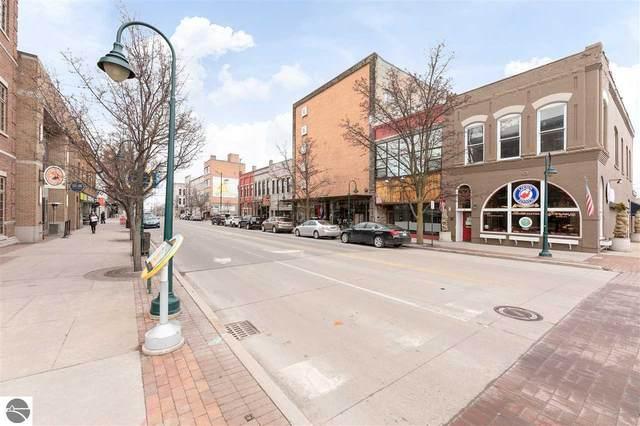 127 S Union, Traverse City, MI 49684 (MLS #1884717) :: Brick & Corbett