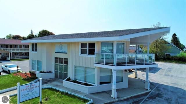 809 W Ludington Avenue, Manistee, MI 49431 (MLS #1884820) :: Michigan LifeStyle Homes Group