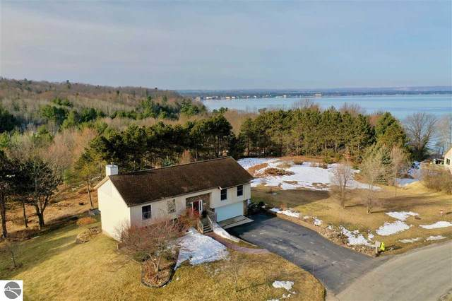 3141 Scenic Hills Drive, Williamsburg, MI 49690 (MLS #1884850) :: Boerma Realty, LLC