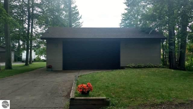 2540 Lake Shore Drive, Cadillac, MI 49601 (MLS #1884997) :: Boerma Realty, LLC