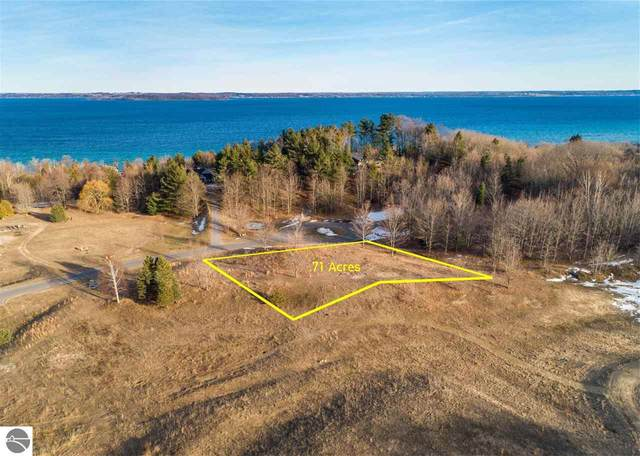 15 S Carol Ann Drive, Traverse City, MI 49684 (MLS #1885025) :: Boerma Realty, LLC
