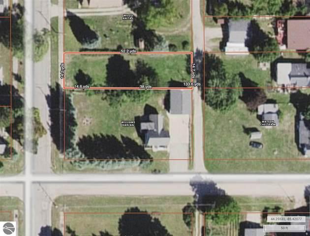 706 Colfax Street, Cadillac, MI 49601 (MLS #1885112) :: Boerma Realty, LLC