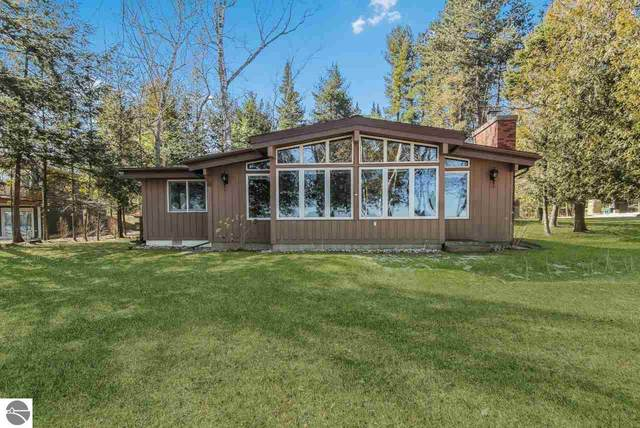 11810 West Pointe Road, Kewadin, MI 49648 (MLS #1885237) :: Michigan LifeStyle Homes Group