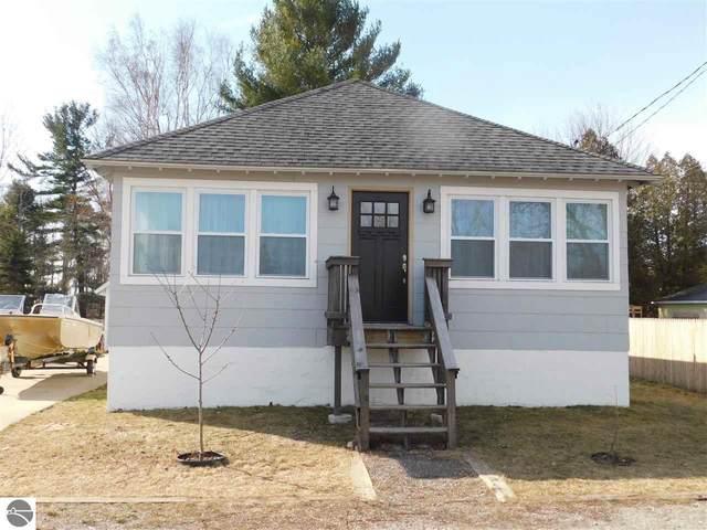 615 Fourth Street, Tawas City, MI 48763 (MLS #1885267) :: Boerma Realty, LLC