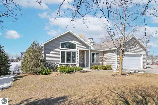 460 S East Silver Lake Road, Traverse City, MI 49685 (MLS #1885288) :: Boerma Realty, LLC