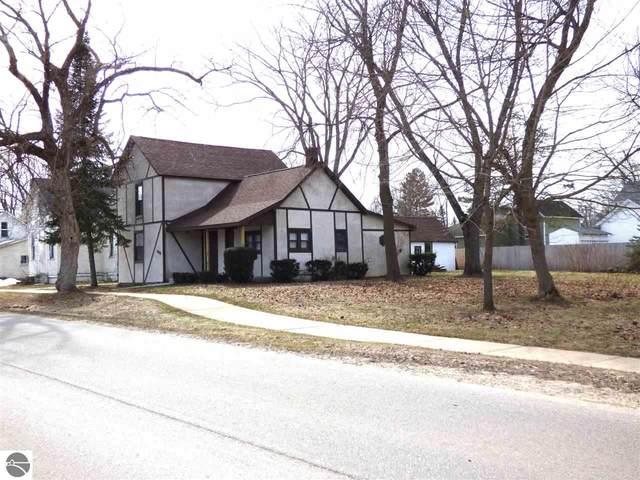 117 S Houghton Street, Lake City, MI 49651 (MLS #1885649) :: Boerma Realty, LLC