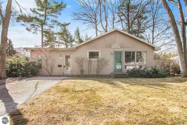1218 Anderson Road, Traverse City, MI 49686 (MLS #1885656) :: Boerma Realty, LLC