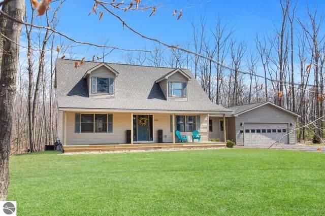 2169 Arbutus Ridge Drive, Traverse City, MI 49696 (MLS #1885777) :: Boerma Realty, LLC
