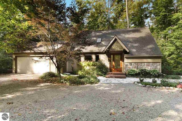 4390 S Linden Court, Cedar, MI 49621 (MLS #1885799) :: Boerma Realty, LLC
