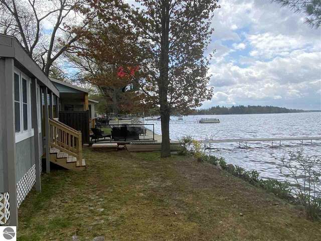 2529 N Lake Mitchell Drive, Cadillac, MI 49601 (MLS #1885831) :: Michigan LifeStyle Homes Group