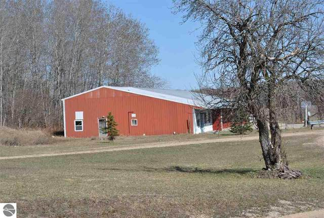 V/L pole barns Forward, Lake City, MI 49651 (MLS #1885852) :: Brick & Corbett