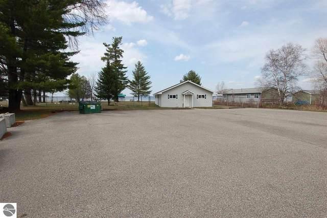 317 Thunderbird Lane, Prudenville, MI 48651 (MLS #1885924) :: Michigan LifeStyle Homes Group