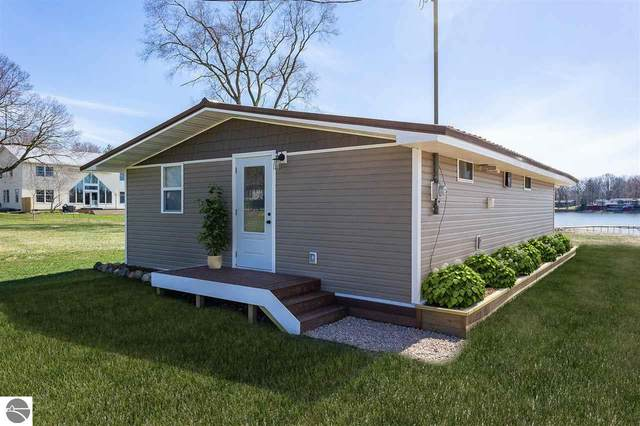 4875 Skyline, Perrinton, MI 48871 (MLS #1885938) :: Team Dakoske | RE/MAX Bayshore