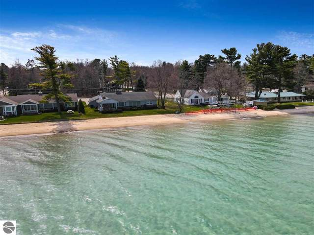 785 Munson Avenue, Traverse City, MI 49686 (MLS #1885942) :: Michigan LifeStyle Homes Group