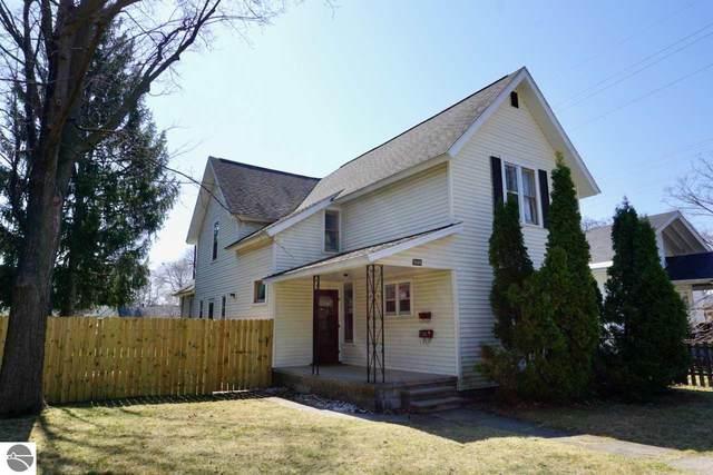 335 W Ninth Street, Traverse City, MI 49684 (MLS #1886066) :: Michigan LifeStyle Homes Group