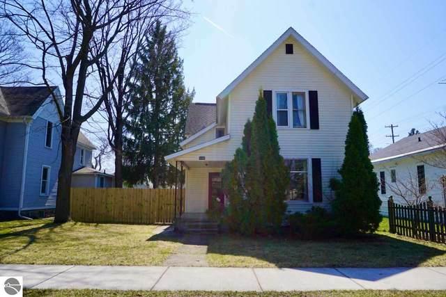335 W Ninth Street, Traverse City, MI 49684 (MLS #1886067) :: Michigan LifeStyle Homes Group