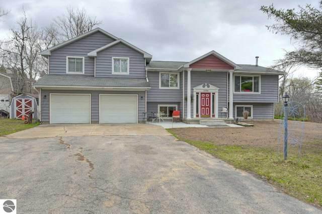 10689 E Pico Drive, Traverse City, MI 49684 (MLS #1886088) :: Michigan LifeStyle Homes Group