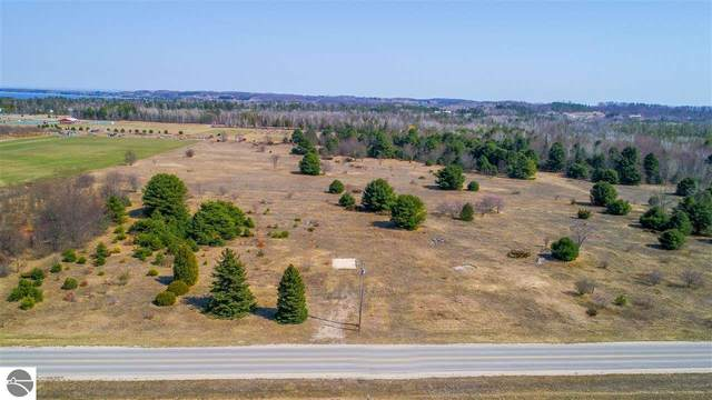 1361 S Pine View Road, Suttons Bay, MI 49682 (MLS #1886095) :: Michigan LifeStyle Homes Group