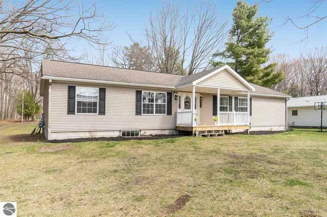 223 Maple Avenue, Frankfort, MI 49635 (MLS #1886186) :: Michigan LifeStyle Homes Group