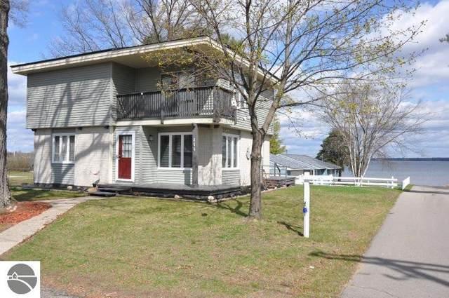111 3rd Street, Prudenville, MI 48651 (MLS #1886192) :: CENTURY 21 Northland