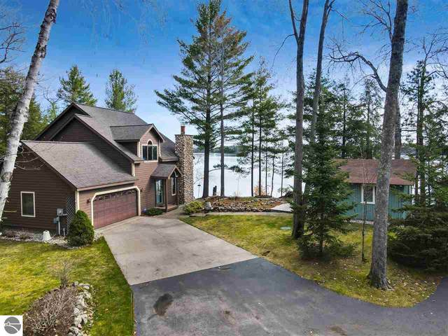1778 Birch Lane, Traverse City, MI 49685 (MLS #1886249) :: CENTURY 21 Northland