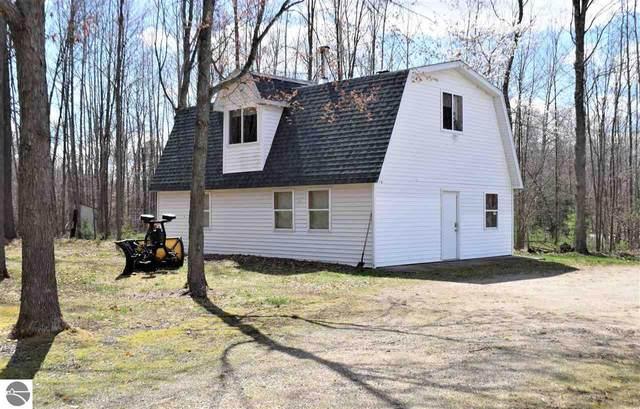 3190 N Old State Road, Weidman, MI 48893 (MLS #1886295) :: Brick & Corbett