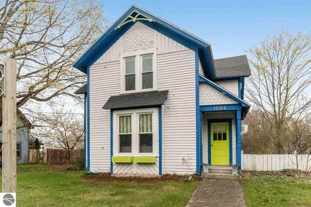 1084 Michigan Avenue, Benzonia, MI 49616 (MLS #1886328) :: Boerma Realty, LLC