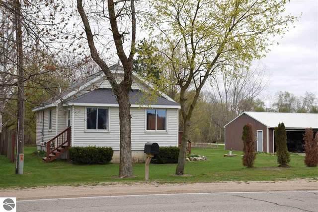 5048 N Mission Road, Rosebush, MI 48878 (MLS #1886399) :: Boerma Realty, LLC