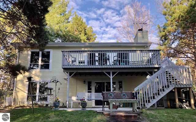 1905 Maple View Court, Central Lake, MI 49622 (MLS #1886437) :: Brick & Corbett