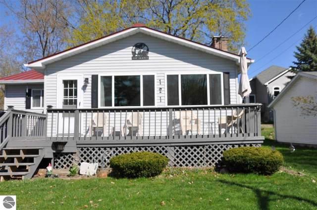 121 Flora Avenue, Houghton Lake, MI 48629 (MLS #1886472) :: Brick & Corbett