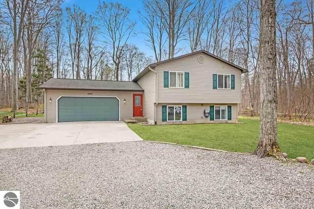 2548 E Birch Court, Cedar, MI 49621 (MLS #1886488) :: Boerma Realty, LLC