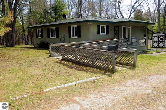 4454 E Point Road, East Tawas, MI 48730 (MLS #1886507) :: Boerma Realty, LLC