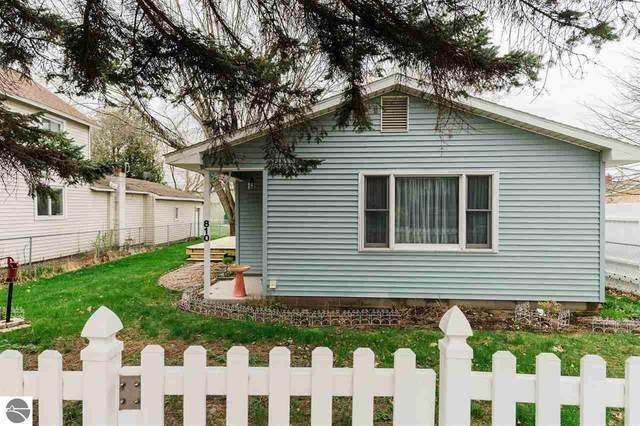 810 Forest Avenue, Frankfort, MI 49635 (MLS #1886866) :: CENTURY 21 Northland