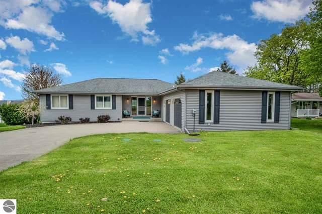 1064 Clubhouse Drive, Lake Isabella, MI 48893 (MLS #1886947) :: Boerma Realty, LLC