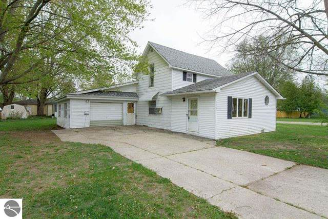 715 E Adams, Coleman, MI 48618 (MLS #1886951) :: Michigan LifeStyle Homes Group