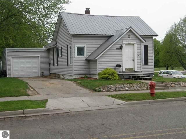 925 Pine  Avenue, Alma, MI 48801 (MLS #1887039) :: Boerma Realty, LLC