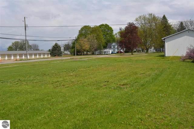 525 W Wright Avenue, Shepherd, MI 48883 (MLS #1887190) :: Boerma Realty, LLC